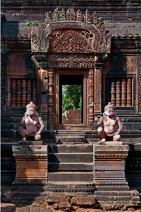 Banteay Srei, Cambodia. Banteay Srei is a 10th-century Cambodian temple dedicated to the Hindu god Shiva. Located in the area of Angkor in Cambodia. (V)