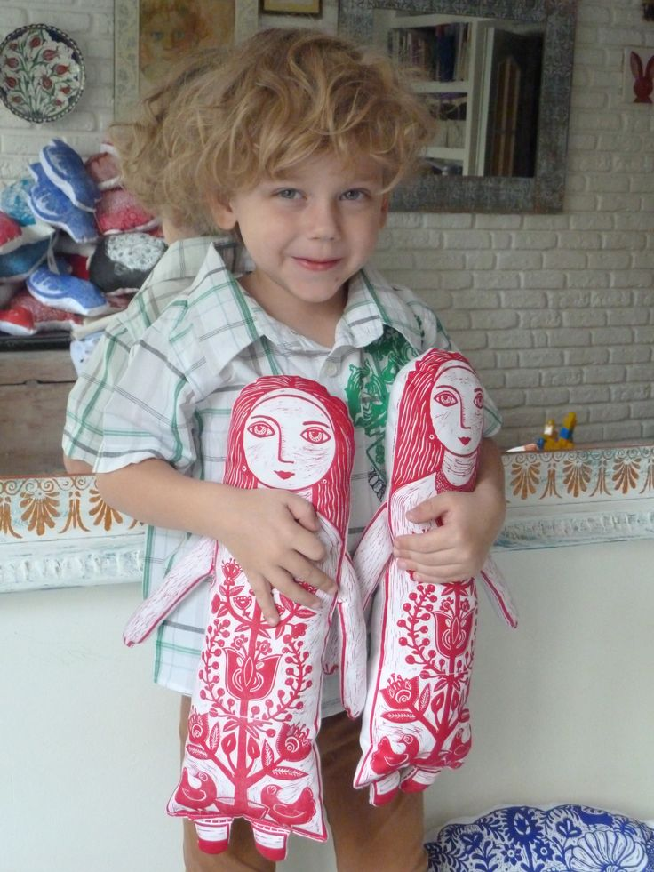 nadiiaonyshchenko#nadiyaonyshchenko#linocut#textile#handmadetextile#arttextile#art#gift#present#lovlypresent#thebestpresent#colorlinocut#homedesign#unusualtingsforhome#design#doll#toys#ukrainedoll#fabricdoll#mysonmatheu#nikolayhcuk