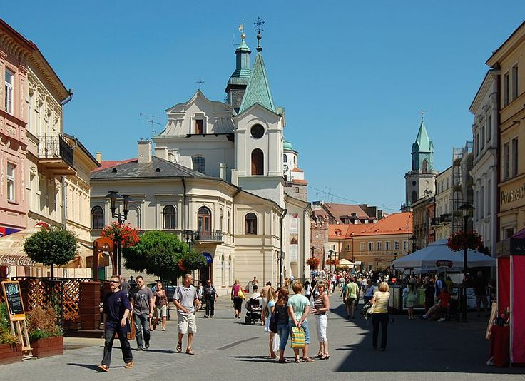 Pedestrian zone with the Holy Spirit Church