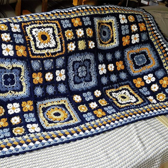 Join the #DROPSAlong fun :) Crochet together with us mystery projects step by step and share your results with DROPS fans all over the world!