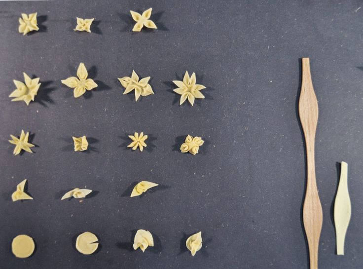 Students from the Hochschule für Gestaltung Offenbach designed various noodles in flower shapes that float on a soup like water lilies