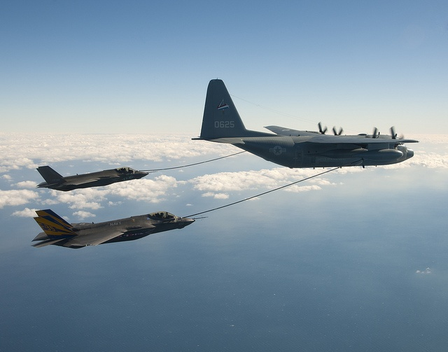 PHOTO: F-35C completes first in-flight dual refueling with KC-130 - Lockheed Martin
