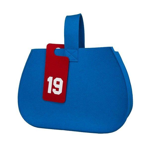 http://designersko.pl/boogiedesign-kosz-filcowy-kobialka - Torba / kosz z naturalnego wełnianego filcu (100% wełny). Idealne rozwiązanie na codzienne zakupy lub kosz na wszystko: zabawki, gazety, drobiazgi.  #design #dizajn #bag #bags #lifestyle