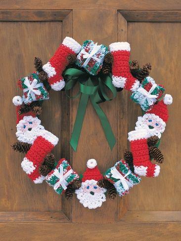 Merry Christmas Wreath   Yarn   Free Knitting Patterns   Crochet Patterns   Yarnspirations