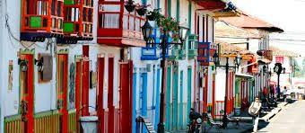 Coloridos balcones, desde Salento, Quindio.
