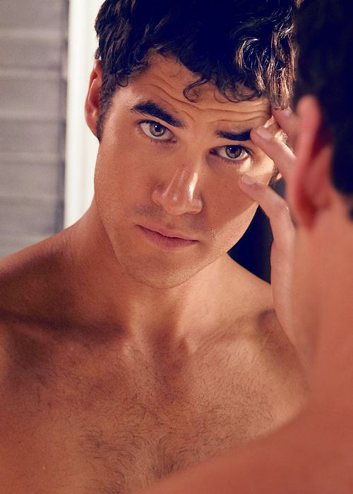 Darren Criss. MY. HEARTTTT. CAN'T. HANDLE. THE. HOTNESS.