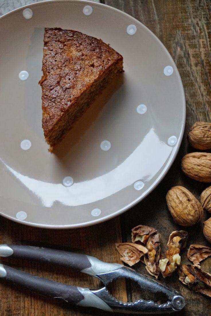 Gâteau aux noix sans gluten fait à partir de farine de sarrasin et parfumé au café