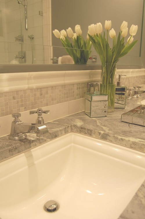 Amazing Chair Rail Backsplash Part - 7: Sink Splashes Can Be Enhanced With Tile Molding.