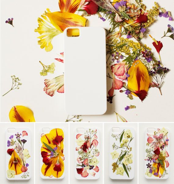 Turn pressed petals into a bloomingly beautiful mobile case with this clever how-to. #Etsy