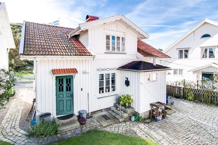 Baksidan huset med innergård och prång