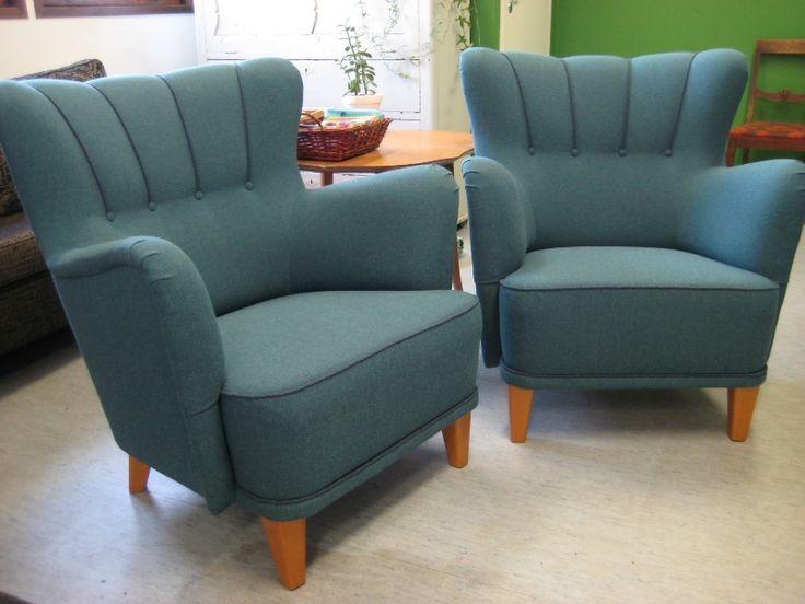 Helena-nojatuolit uudelleenverhoiltuina villakankaalla.