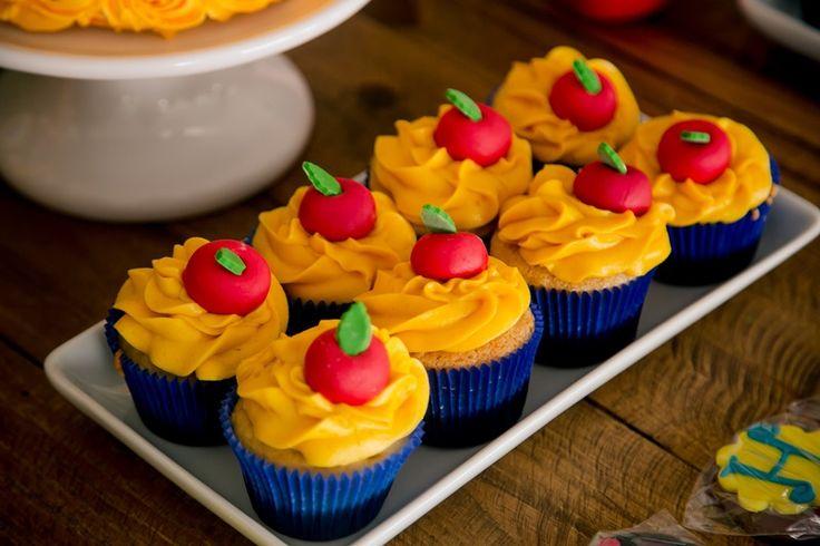 Cupcake decorado da festa Branca de Neve                                                                                                                                                      Mais