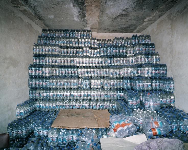 Uno sguardo italiano. La fotografia contemporanea in mostra alla galleria Frittelli di Firenze. Nukua (Aral lake) Uzbekistan, 2001