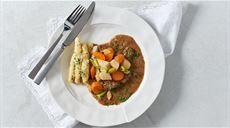 Rump steak s koreňovou zeleninou