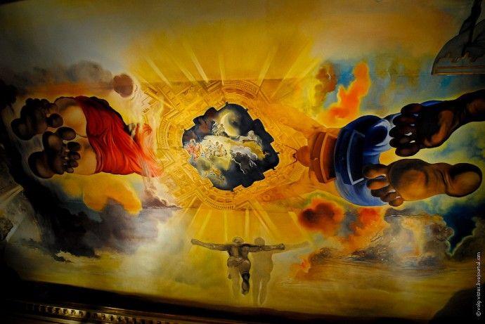 Музей Сальвадора Дали и замок его жены