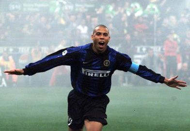 @R9 celebrating a goal with open arms #9ine @Inter