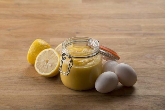#frabloggerne - lagre de siste oppskriftene fra de beste norske matbloggerne i din kokebok: hobbykokken - Lemon curd, versjon 3
