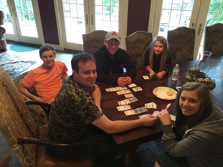 Some of the Duggar kids playing cards while vacationing in Texas.