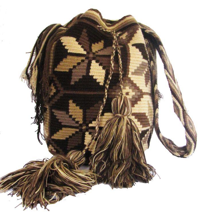 www.mochilaswayuubags.com www.facebook.com/Wayuuuuuu www.etsy.com/... whatsapp :+57 3203459226 $43 USD #wayuu #crochet #handmade #crochet #boho #bohostyle #bohochic #hippie #cartagena #colombia #colombiabags #art #wayuutribe #mochilaswayuu #mochilas