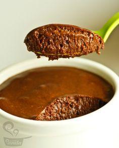 mousse perfeita de chocolate - http://gnt.globo.com/receitas/receitas/mousse-de-chocolate-com-lascas-de-chocolate-da-chef-rachel-khoo.htm