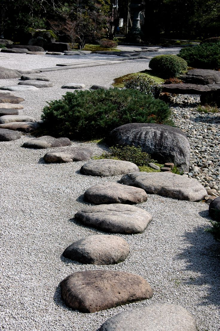 出雲流庭園、出雲屋敷(旧江角邸)、石庭 [Google Translate: Izumo stream garden, Izumo house dressing (Old River Kok Di), rock garden]