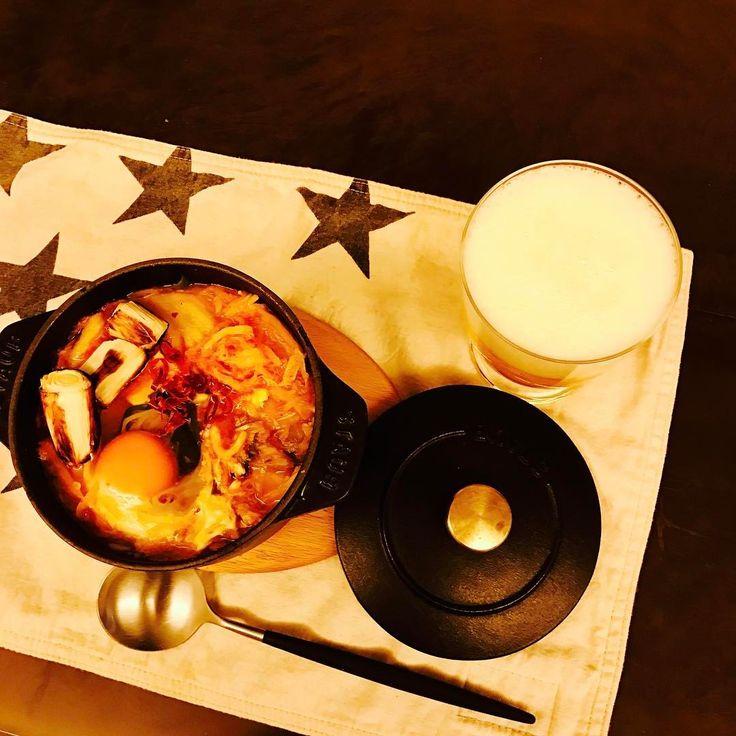 いいね!54件、コメント1件 ― Naoko Okusa_officialさん(@naokookusa)のInstagramアカウント: 「またまた休日、計らずも1人ごはん。食べたいものだけ作る幸せ。キムチ鍋♡ごはん2杯。 #ビールと合うなあ #staub #ストゥブがあると便利 #唐辛子とごま油たっぷり #夫は食べられない…」