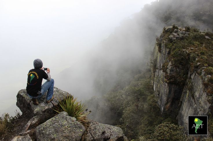 Stunning cliffs and dense clouds at an overlook in the Table Mountain Reserve