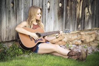 wallpaper Girl playing acoustic guitar