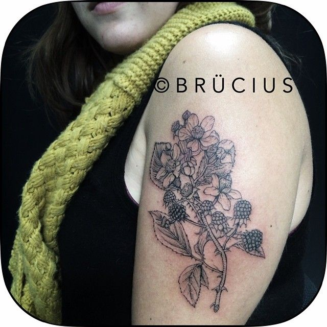 Mandorla Tattoo