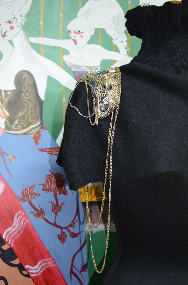 neck accessory www.modart.gr