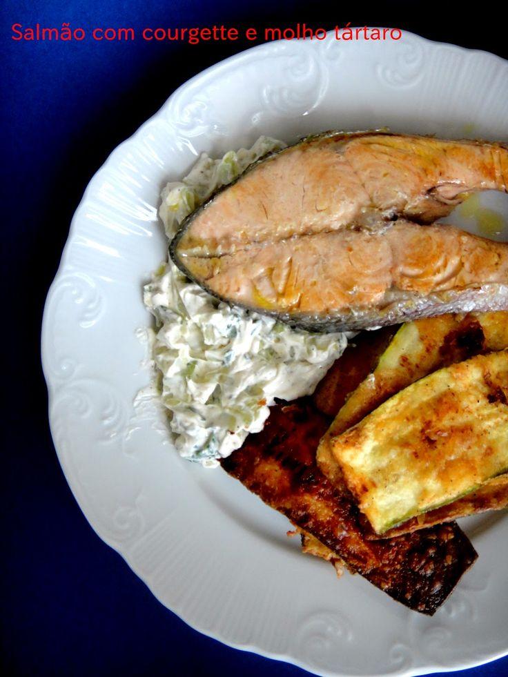 Salmão com courgette frita e molho tártaro