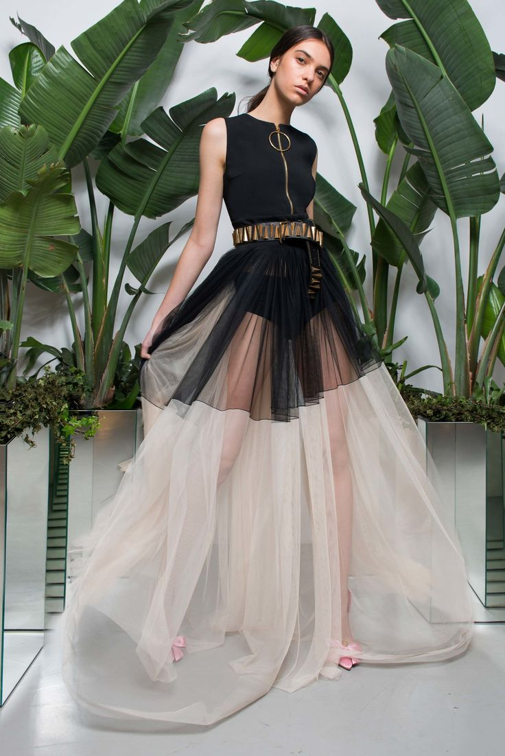 Fausto Puglisi Resort 2018 Fashion Show Be featured in Model Citizen App, Magazine and Blog. www.modelcitizenapp.com