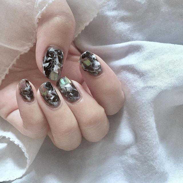 セルフジェルネイル𓃆 #ニュアンスネイル #nail#ジェルネイル #セルフネイル#モノトーンネイル#ママネイル #ママファッション #アラフォー#冬ネイル#ネイルデザイン
