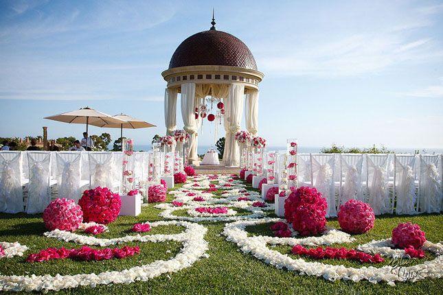 aisle decor, wedding mandap, outdoor wedding #indianwedding, #shaadibazaar