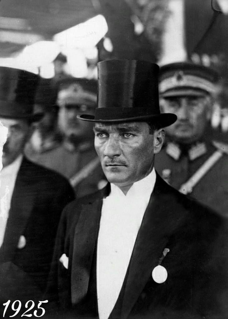 Atatürk, Alman Berliner Illustrirte Zeitung Gazetesi Kapağında. (22 Kasım 1925) | MustafaKemâlim