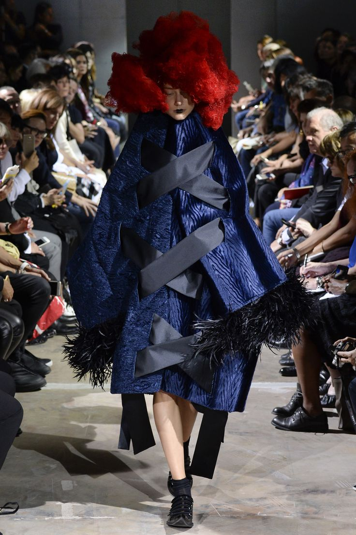 Comme des Garçons Spring 2016 Ready-to-Wear Collection Photos - Vogue  http://www.vogue.com/fashion-shows/spring-2016-ready-to-wear/comme-des-garcons/slideshow/collection#14