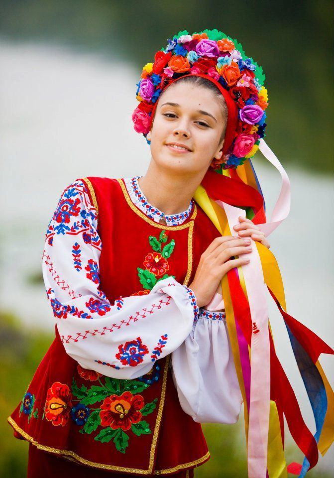 сорт роз фото украинок в национальных костюмах это