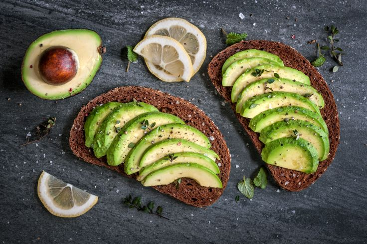 Benefici avocado: http://www.lacucinaitaliana.it/news/salute-e-nutrizione/un-avocado-al-giorno-toglie-il-medico-di-torno/?utm_source=facebook.com&utm_medium=marketing&utm_campaign=lacucinaitaliana