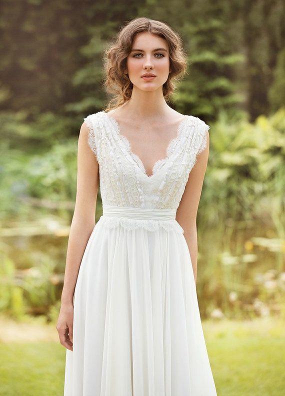 Vestido de novia bohemio y romántico, de chiffon, seda y encaje francés :: Bohemian Wedding dress Made from Chiffon, French  lace, natural silk with pearls