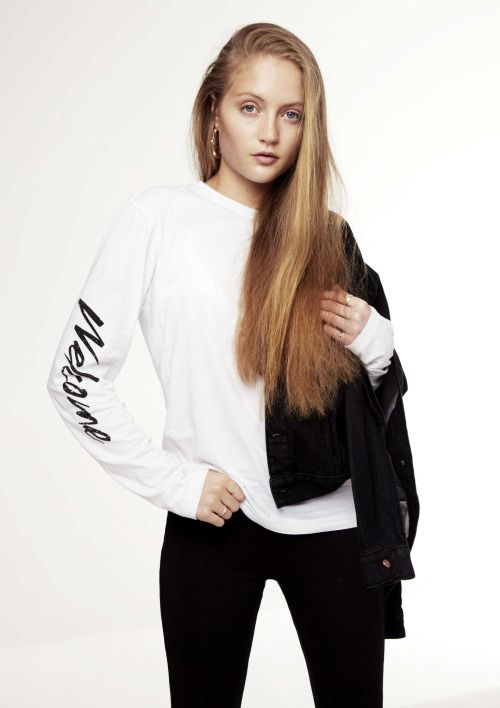 London based streetwear brand for the modern chick. This Is Welcome.Shop:http://www.theonlinestore.co.nz/collections/this-is-welcome