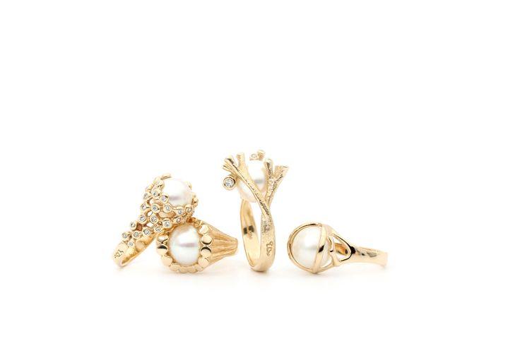 Changeling ringene ... smukt og enkelt .  http://www.fangels.dk/maerker/per-borup.html