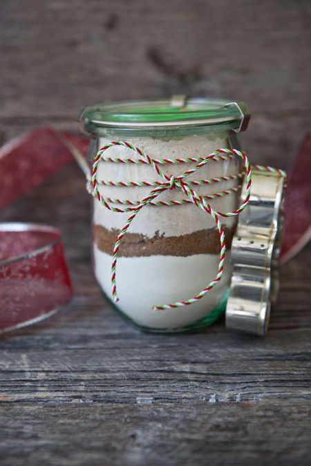 Gingerbread Cookie Mix in a Jar (w/cookie cutter) via Shaina of Food for my Family - definitely doing this this year!