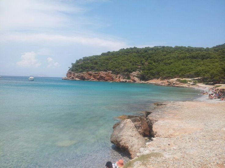 Dragonera beach agistri island