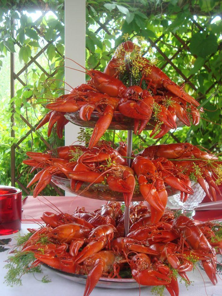 Das #Krabbenfest - also #rapujuhat - ist ein beliebtes Sommerfest in #Finnland und Schweden 🦐🍋