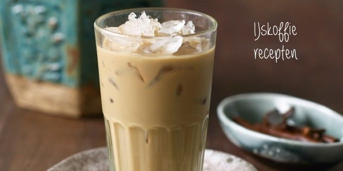 zelf IJskoffie maken. 4 originele recepten voor ijskoffie met kruiden, likeur, vanilleijs of ijsblokjes. IJskoffie is een verkoelend drankje.