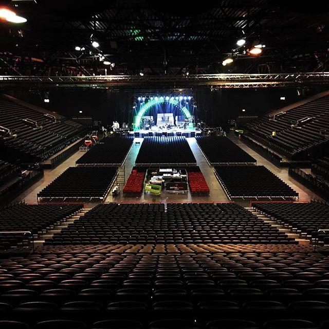 Birmingham-Genting Arena! Ritchie Blackmore's Rainbow Live tonight!! #ritchieblackmore #ritchieblackmoreserainbow #rainbow #backgroundvocals