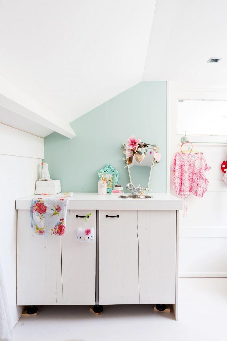 17 beste afbeeldingen over badkamer op pinterest toiletten deuren en ijdelheden - Eigentijdse wastafelkast ...