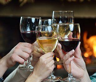 Girls Together #72 Πάμε για κρασί μπροστά στο τζάκι; Η εικόνα της απόλυτης χαλάρωσης για τα απογεύματα του χειμώνα είναι για πολλούς το να απολαμβάνουν τον κρασί τους μπροστά στο τζάκι, με καλή παρέα... (http://gynaikaeveryday.gr/?page=calendar&day=2016-01-27)