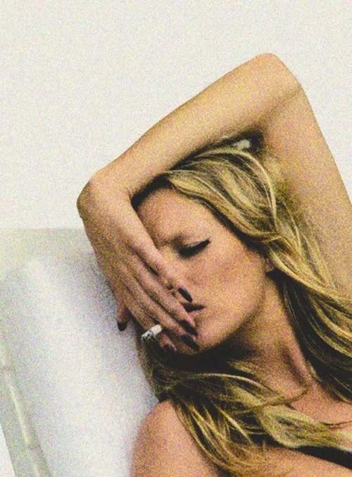 Moss <3Inspiration, Cigarettes Famous People, Beautiful, Smokin, Katemoss, Electronics Cigarettes, Photography, Smoke, Kate Moss