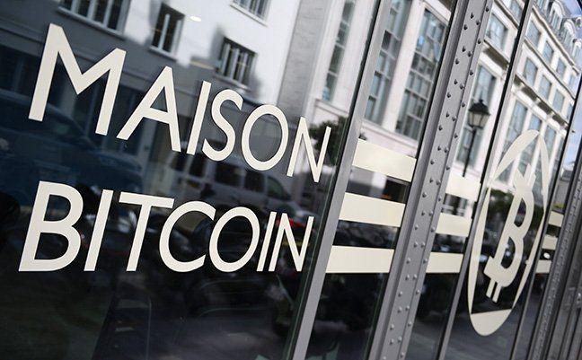 Bitcoin is emerging as a crisis currency  https://bloom.bg/2jDXEKK http://pic.twitter.com/c5hNBpydg2 http://fb.me/1p2vTopg7 http://fb.me/27XKACFJR